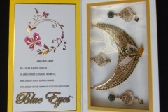 BEAUTIFICATION AND DECORATION - INDIAN JEWELLERY <p>Weddings in Penang, as elsewhere, involve substantial  investment in the dress and decoration of the bride and  groom. These items come from small local Indian wedding  shops.</p>
