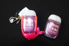'BRIDE TRIBE' HAND SANITISER <p>Brides and grooms sometimes put together collections of  gifts for their bridesmaids and groomsmen.</p>